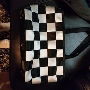 Seatbelt shoulder bag